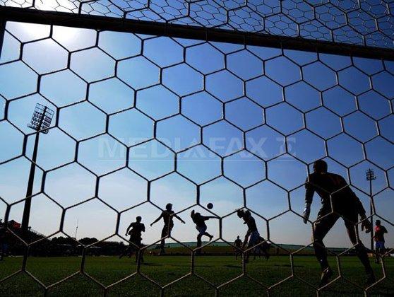 Imaginea articolului FRF: Maximum trei extracomunitari în lot, cu minimum trei selecţii la echipele naţionale fiecare