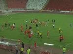 Imaginea articolului Jucătorii echipei FC Ashdod, alergaţi pe teren de fanii formaţiei ŢSKA Sofia, la un meci amical - VIDEO
