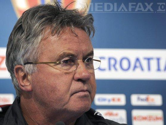 Imaginea articolului Antrenorul Guus Hiddink a confirmat că va pleca de la Chelsea Londra la finalul sezonului