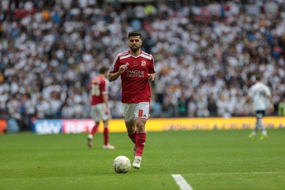 Imaginea articolului Un fotbalist irakian refugiat din ţara natală, la un pas să ajungă în Premier League