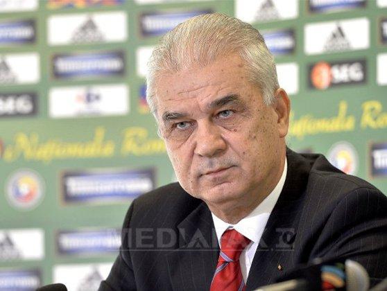 Imaginea articolului Iordănescu: Vom da totul pentru a obţine un rezultat bun cu Franţa. Să nu începem cu înfrângere