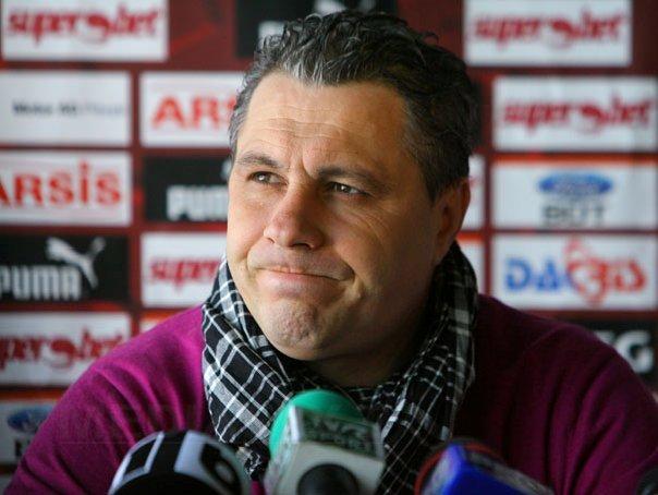 Imaginea articolului Marius Şumudică: Dacă dispare Steaua sau se numeşte altfel, este o lovitură pentru fotbalul românesc