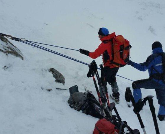 Imaginea articolului Erik Galucsi, băiatul mort în urma avalanşei din Munţii Retezat, ar urma să fie incinerat. Tatăl şi sora lui Erik au fost şi ei răniţi