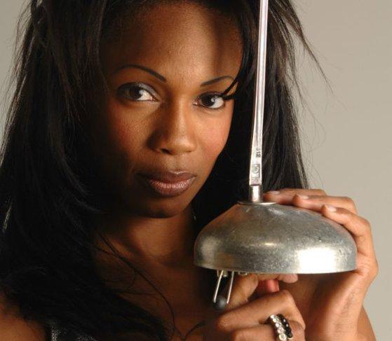 Imaginea articolului O fostă spadasină, desemnată Ministrul Sportului în Franţa. Laura Flessel nu are un trecut tocmai curat