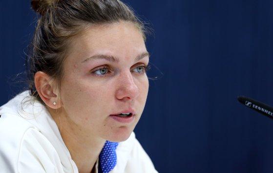 Imaginea articolului Simona Halep, înfrângere drastică în turul doi al turneului de la Wuhan. România rămâne fără nicio jucătoare în competiţie