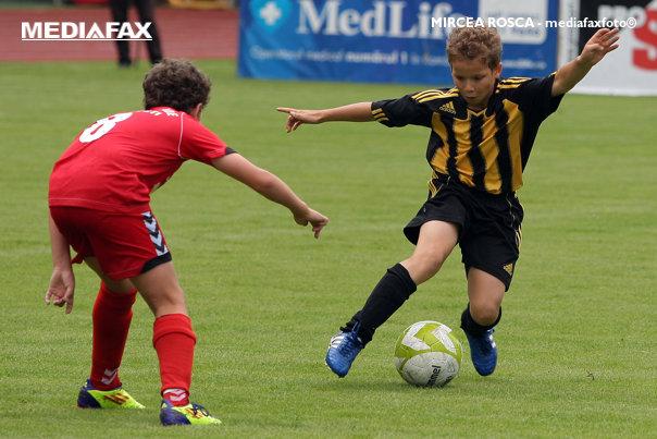 Imaginea articolului Un meci între două echipe de copii sub 9 ani a fost urmărit de aproximativ 500.000 de oameni