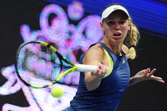 Imaginea articolului Wozniacki a oferit un nou moment controversat, după ce a intrat în conflict cu acelaşi arbitru căruia i s-a plâns de sunetele scoase de Monica Niculescu/ Liderul mondial a fost eliminată în semifinalele turneului de la Doha