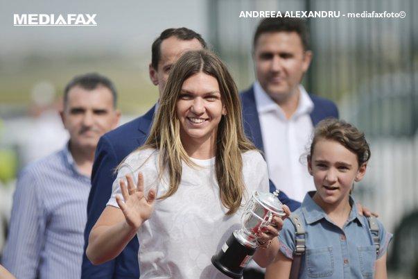 Imaginea articolului Simona Halep, schimbare INCREDIBILĂ de look. Cum arată acum cea mai bună jucătoare de tenis din lume. FOTO