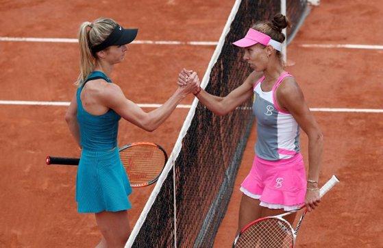 """Imaginea articolului Mihaela Buzărnescu, o nouă victorie în trei seturi şi încă o calificare în """"sferturi"""". Românca se revede cu jucătoarea de top pe care a eliminat-o la Roland Garros, principala favorită de la Birmingham"""