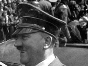 """Teoria care schimbă tot ce ştiam despre al Doilea Război Mondial: """"Adolf Hitler A CÂŞTIGAT"""". Cum ar fi învins Germania"""