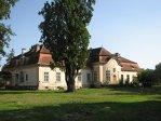 Imaginea articolului Artmark: Preţuri de la 300.000 de euro pentru vila lui Ceauşescu de la Predeal şi Cula Greceanu