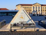 REPORTAJ: Statui de 1 milion de euro puse în Cetatea Alba Iulia după restaurare, printre care o piramidă sau Socrate, furate acum pe bucăţi - GALERIE FOTO
