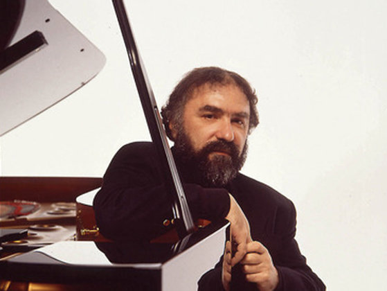 Imaginea articolului Pianistul Radu Lupu, distins de regina Marii Britanii cu titlul de Comandor al Imperiului Britanic