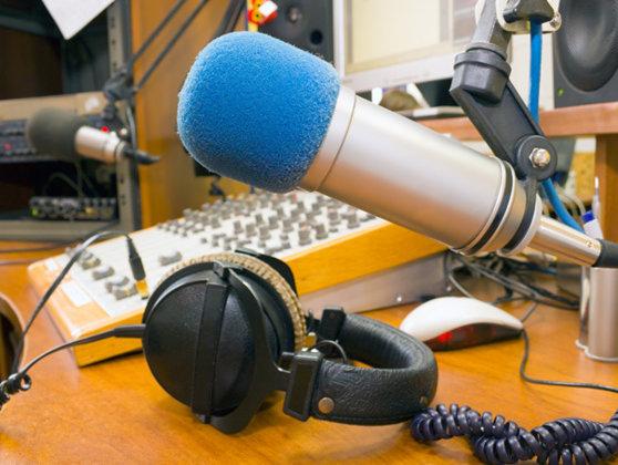 Imaginea articolului CNA a retras licenţele Click FM Sibiu şi Click FM Roman. Posturile de radio se închid oficial