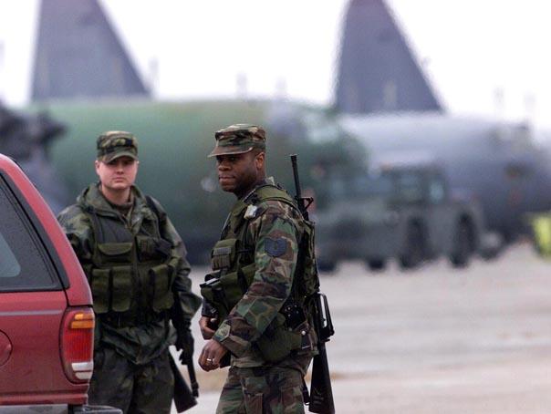 Soldaţi americani pe Aeroportul Mihail Kogâlniceanu