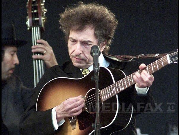 Imaginea articolului Bob Dylan o ţine din refuz în refuz: Nu va fi prezent la Stockholm, nu s-a dus nici la Casa Albă - VIDEO