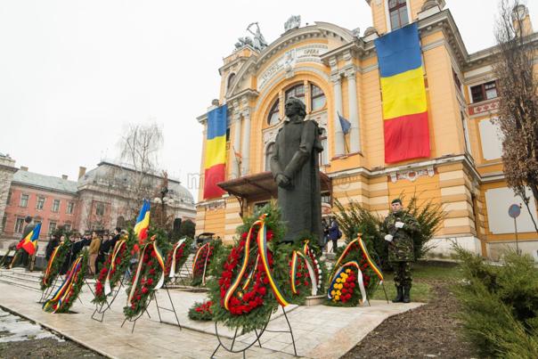 Imaginea articolului Depunere de coroane la statuia lui Mihai Eminescu şi moment cultural-artistic de Ziua Culturii, la Cluj-Napoca
