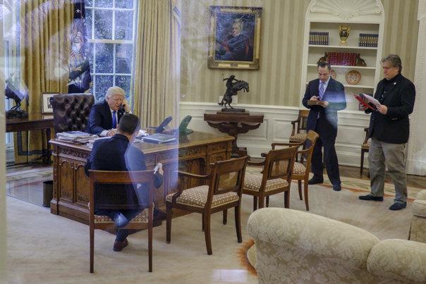 Imaginea articolului Casa Albă a INTERZIS prezenţa reprezentanţilor mai multor instituţii media la o conferinţă de presă