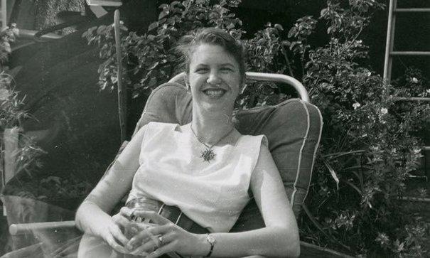 Imaginea articolului Au fost descoperite două noi poeme ale scriitoarei Sylvia Plath, ce au stat ascunse timp de 54 de ani