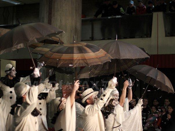 """Imaginea articolului """"Noaptea Statuilor Vivante"""", în deschiderea Festivalului Internaţional de Statui Vivante"""