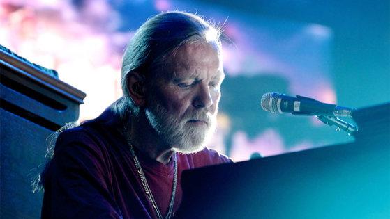 Imaginea articolului FOTO, VIDEO Legendarul muzician Gregg Allman, pionier al rockului sudist, a murit la vârsta de 69 de ani