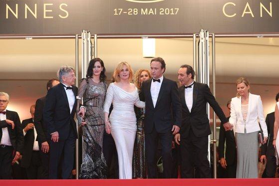 """Imaginea articolului FOTO, VIDEO Festivalul de Film de la Cannes 2017: Satira despre o galerie de artă, """"The Square"""", a obţinut Premiul Palme d'Or. Concluziile unei ediţii aniversare"""