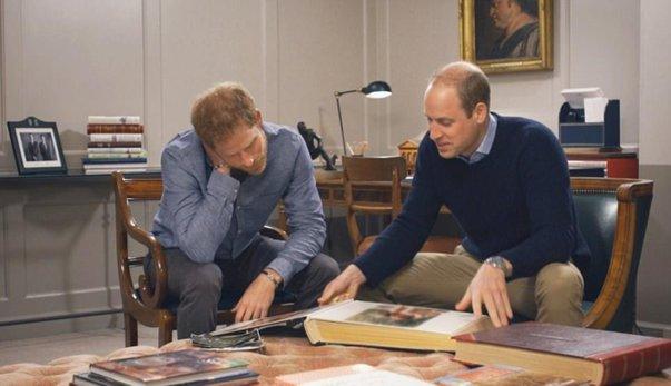 Imaginea articolului FOTO | Prinţul William şi Prinţul Harry, mărturisiri emoţionante despre ultima lor conversaţie cu Prinţesa Diana: 'Câte lucruri i-aş fi spus...dacă ştiam că e ultima oară când vorbim'