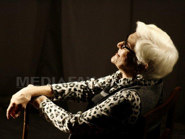 Colegi, prieteni şi studenţi actori şi-au luat RĂMAS BUN de la `mama` Olga Tudorache