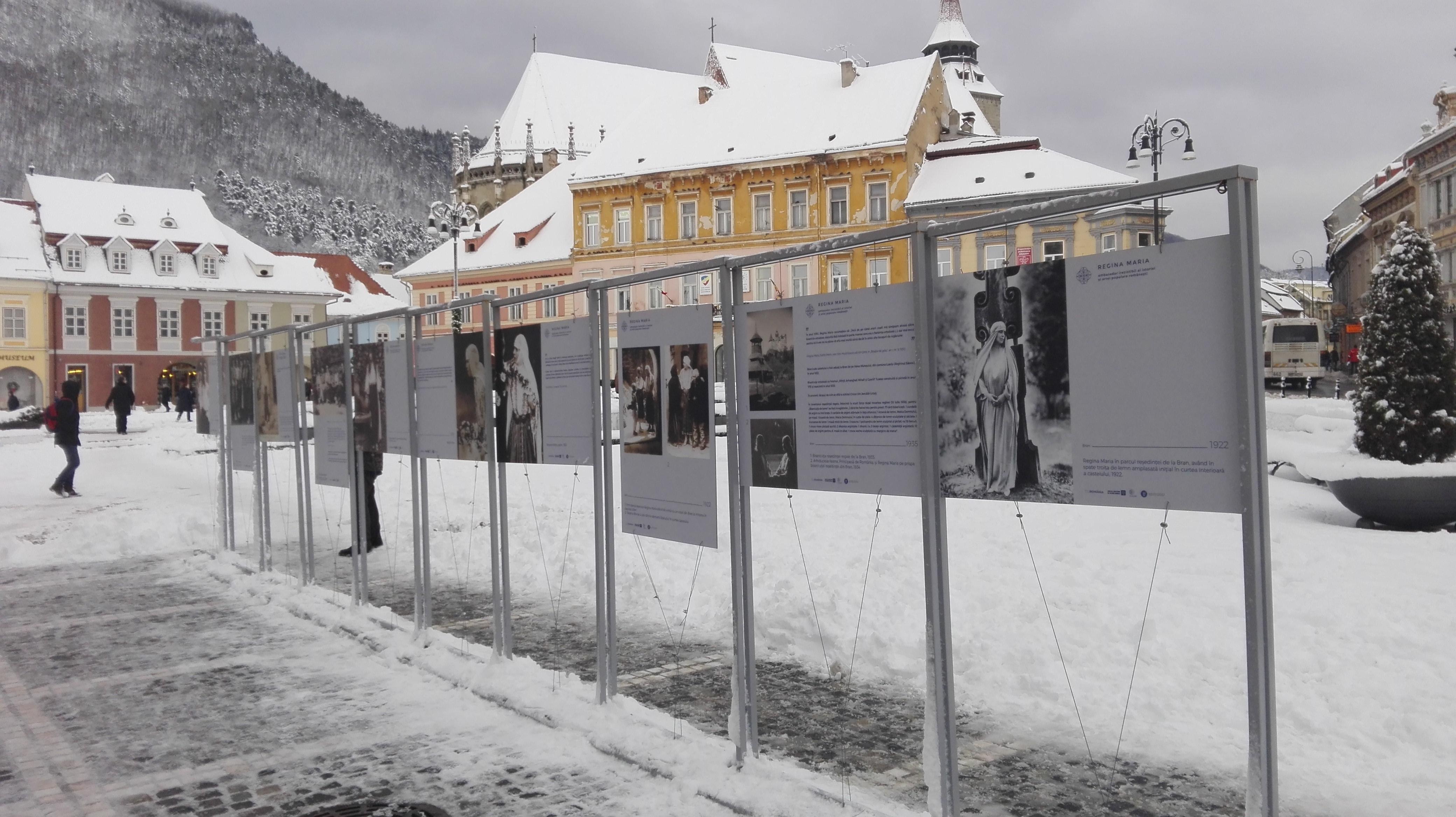 Costume populare care au aparţinut Reginei Maria a României, expuse la Braşov   GALERIE FOTO