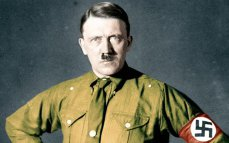 Imaginea articolului IMAGINILE ZILEI. Poliţiştii din Argentina au descoperit cea mai mare colecţie de artefacte naziste din istoria ţării