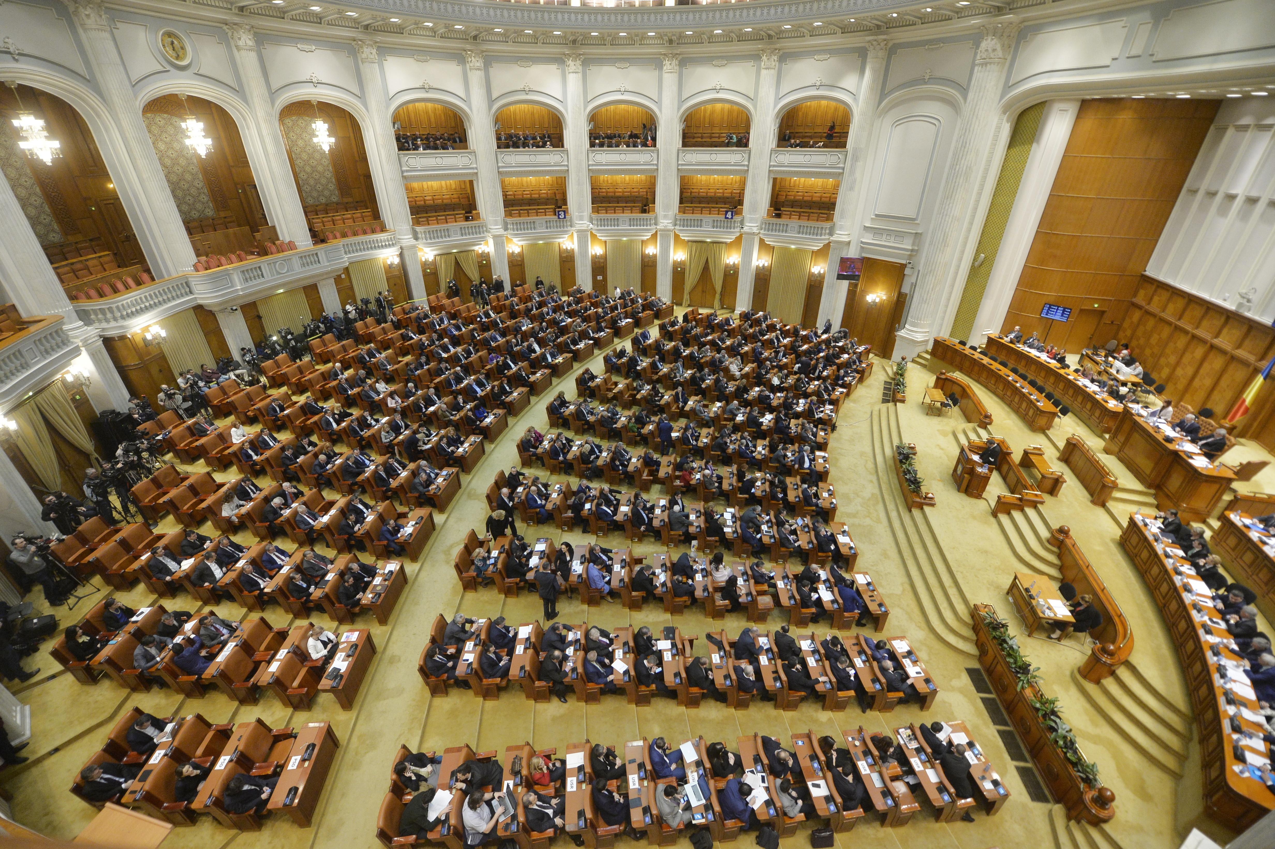 Codreanu: parlamenti küldöttség találkozik az ukrán nagykövettel, Johannisnak reagálnia kell