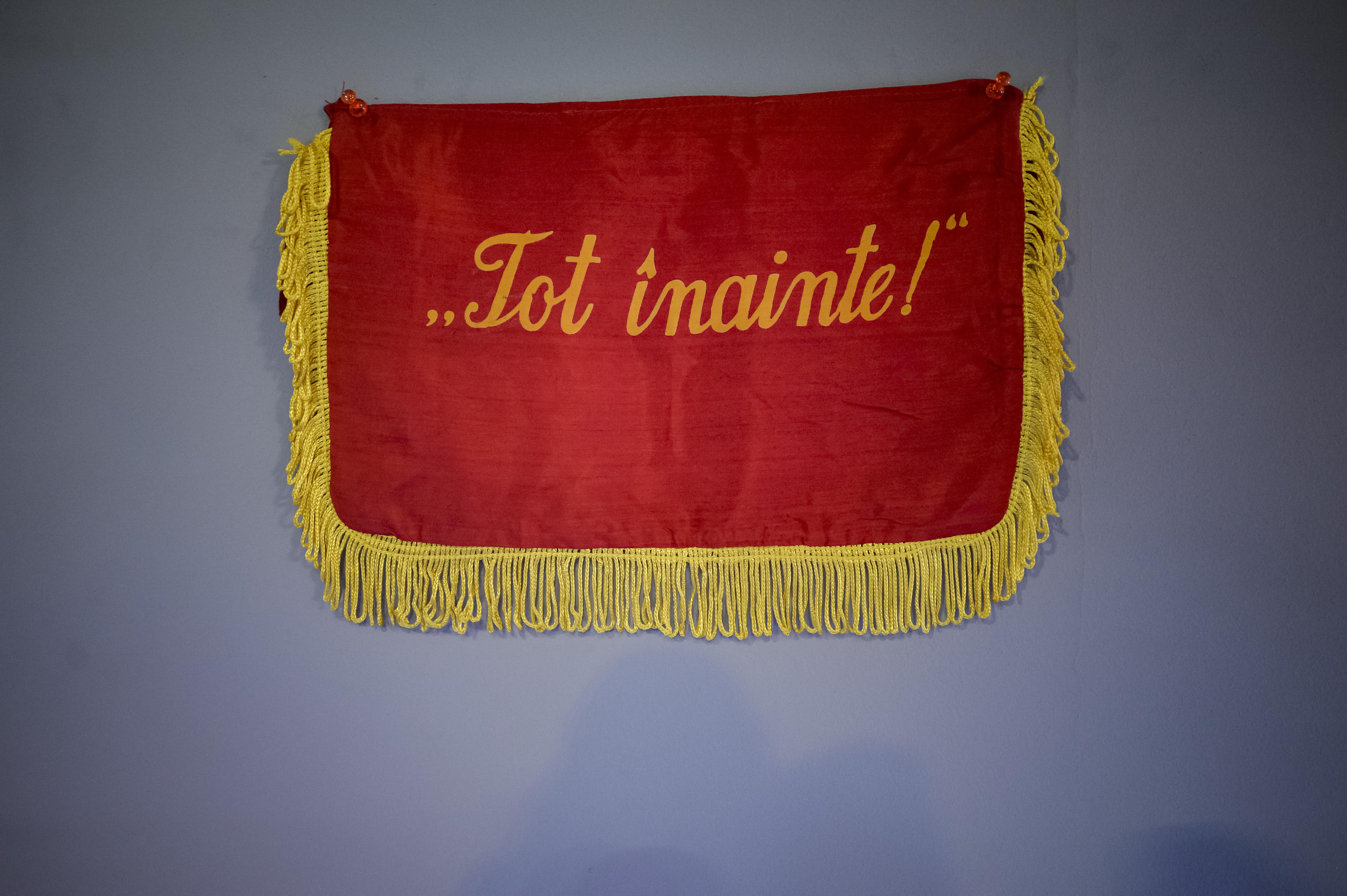 #CentenarulRosu | Elevul comunist, emblema unui sistem dureros. Cum se formau turnătorii din şcoală