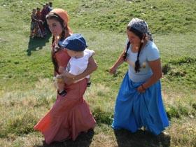 Intelectualii italieni cer încetarea violenţelor împotriva etnicilor romi