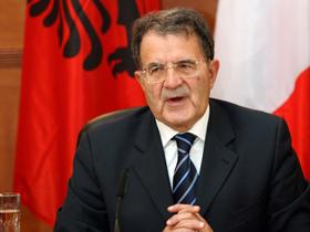 Romano Prodi: Italia nu doreşte o campanie de expulzare în masă a străinilor