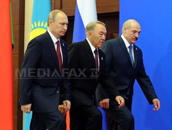 Imaginea articolului Rusia semnează cu Belarus şi Kazahstan crearea unei Uniuni economice eurasiatice
