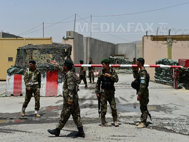 Un ofiter afgan a deschis focul asupra militarilor NATO