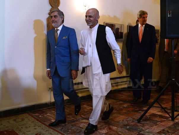 Abdullah Abdullah si Ashraf Ghani au semnat un acord �n vederea unui guvern de uniune �n Afganistan