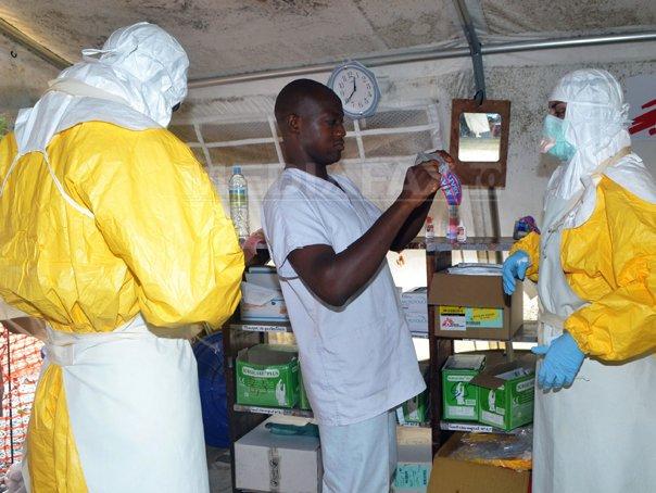 Japonia evacueaza 24 de specialisti din Africa de Vest, din cauza epidemiei de Ebola