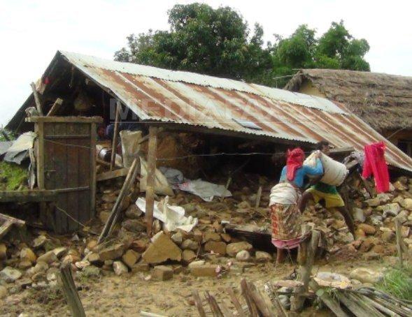 Aproape 200 de morti �n Nepal si India, afectate de inundatii si alunecari de teren