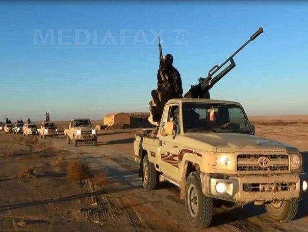 Armata SUA a efectuat raiduri �mpotriva teroristilor �n Irak si a parasutat ajutoare umanitare