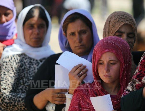 Zeci de femei din minoritatea yazidi, v�ndute pentru a se casatori cu insurgenti din Siria - FOTO