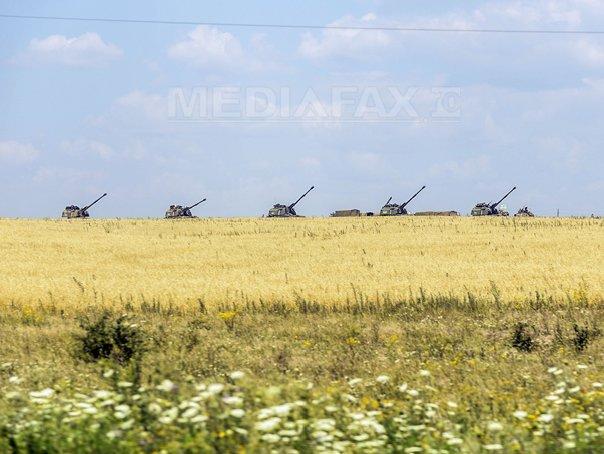 Lupte �ntre militari ucraineni si un batalion de tancuri rusesti pe aeroportul din Lugansk. Trupele ucrainene s-au retras. Lavrov: Rusia nu va interveni militar �n Ucraina - VIDEO, LIVE TEXT