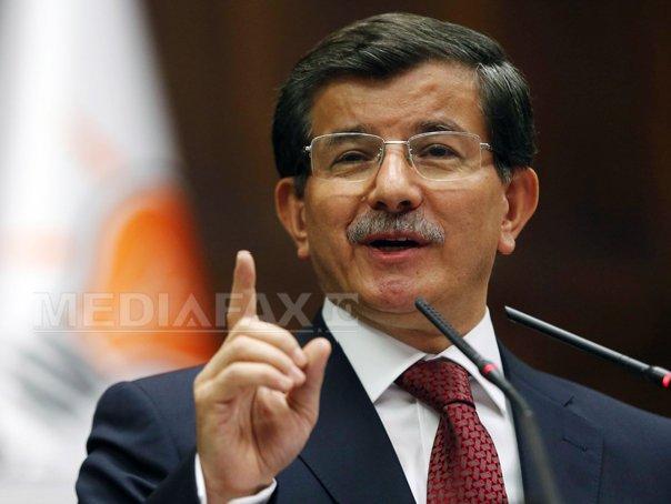 Ahmed Davutoglu promite pacea cu kurzii şi aderarea Turciei la UE până la orizontului lui 2023