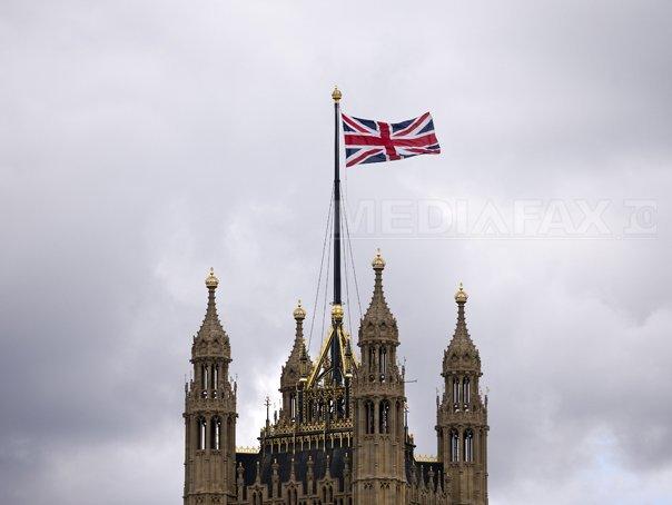 Parlamentul Marii Britanii aproba raidurile aeriene contra grupului terorist Stat Islamic