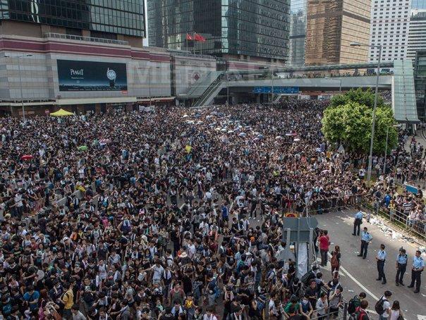 Marea Britanie �l va convoca pe ambasadorul Chinei, pe tema crizei din Hong Kong