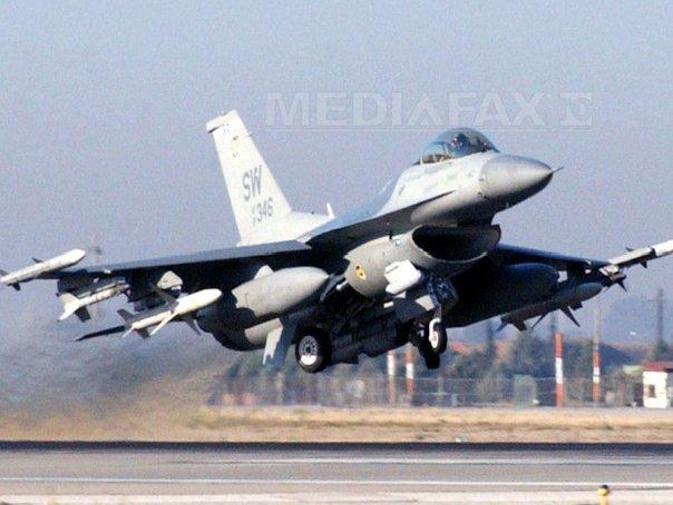 SUA pot sa utilizeze instalatii ale Turciei �n lupta �mpotriva jihadistilor, a dat sigurari Kerry