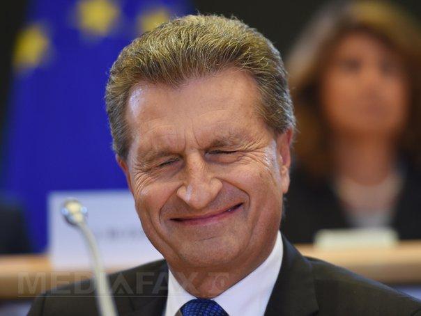 Oettinger, viitorul şef al agendei digitale UE, se laudă că poate să folosească un iPhone