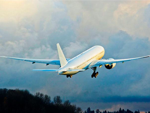 Un avion al companiei KLM, nevoit sa aterizeze la Cairo din cauza unei alerte false cu bomba