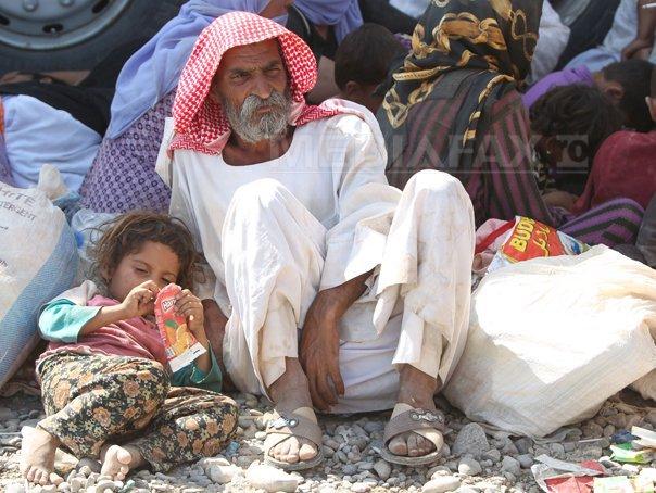 Muntele Sinjar, unde s-au refugiat membri ai comunitatii yazidi, sub asediul gruparii SI