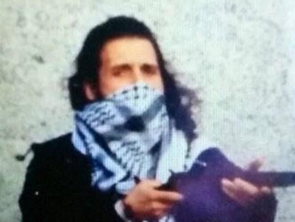 Cine este atacatorul din Ottawa. O imagine cu Michael Zehaf-Bibeau, postata pe un cont de Twitter afiliat grupului terorist Stat Islamic - FOTO
